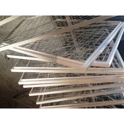 Металлическая решетка вентиляционная
